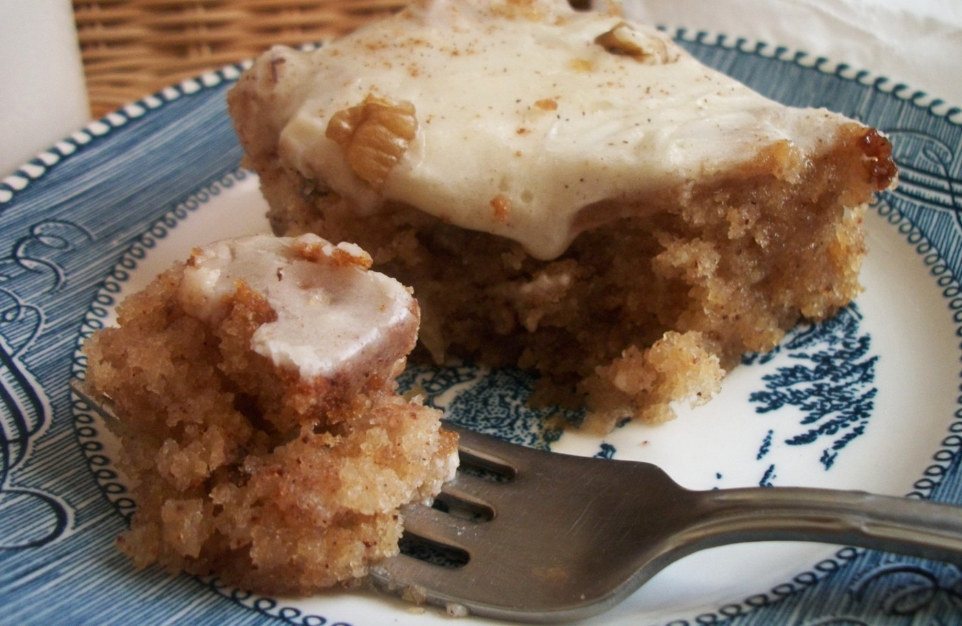 Easy Cinnamon Applesauce Cake